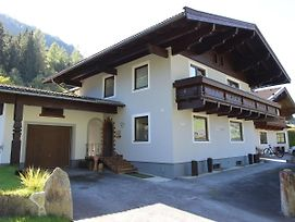 Detached Holiday Home With 4 Bedrooms In Muhlbach, Near The Ski Lift. photos Exterior