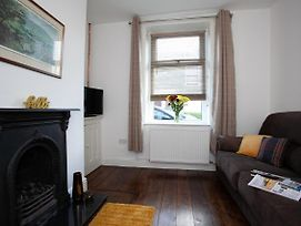 Spacious 3 Bedroom Cottage In Whalley photos Exterior