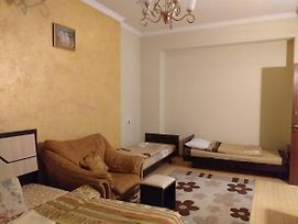 2 Bedroom Apartment 2 Double Bed/5 Single Bed/2 Toilets 1 Bathroom photos Exterior