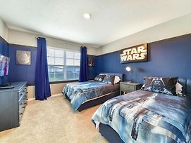 Themed Star Wars Bedroom, Pool, Spa, Game Room! Home photos Exterior