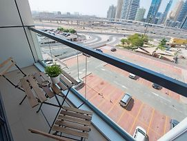 Bmg Beautifully Furnished 1Br Near Jlt Metro Station photos Exterior