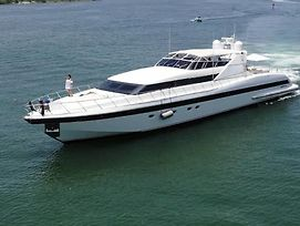 Miami Luxury Yacht, Hourly And Overnight Stay. Aloha Spirit Rentals photos Exterior
