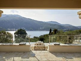 Kassiopi Villa Sleeps 12 Pool Air Con Wifi photos Exterior