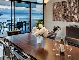 Waves 3 Luxury 3 Bedroom Endless Ocean Views Central Location + Buggy photos Exterior