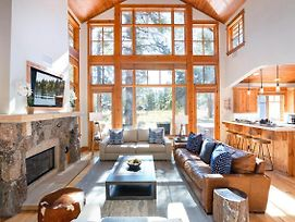 New Listing! Luxury 3 Bedroom Cabin In Old Greenwood - Walk To The Pavilion! photos Exterior