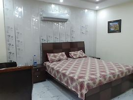 Bahria Town Furnished Apartment photos Exterior