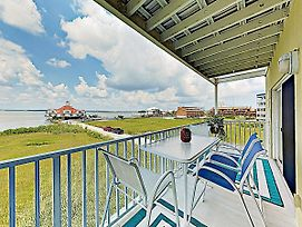 New Listing! Bayfront Condo W/ Pool- Walk To Beach Condo photos Exterior