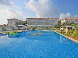 Mythical Apartment - 2 Bed Large Communal Pool, Close To Protaras photos Exterior
