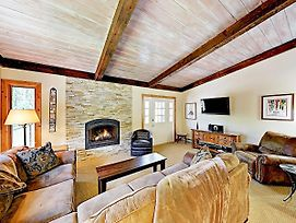 New Listing! Vail Valley Escape, Shuttle To Slopes Townhouse photos Exterior