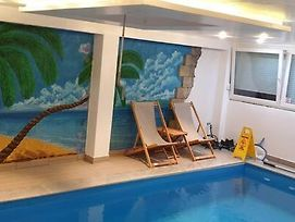 Swimming Pool Comfortable Apartment photos Exterior