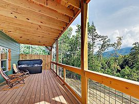 New Listing! Gorgeous Cabin W/ Mountain Views Cabin photos Exterior