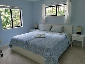 Sky Room--Well Appointed, Roomy And Peaceful... photos Exterior