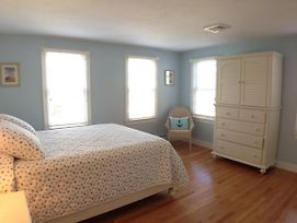 Walk To Pleasant Street Beach, Renovated, Central Ac, King Bed - Cm0641 photos Exterior