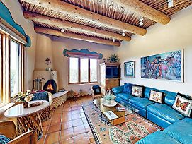 An Enchanting Casita W/ Patio & Kiva Fireplace Cottage photos Exterior