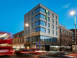 Holiday Inn Express London - Ealing photos Exterior