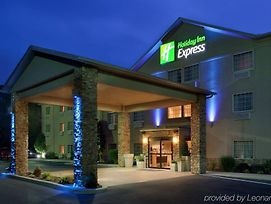 Holiday Inn Express Mount Pleasant Scottdale photos Exterior