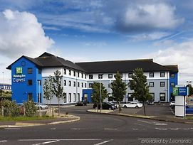 Holiday Inn Express Antrim photos Exterior