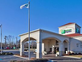 Holiday Inn Express Kernersville photos Exterior