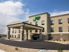 Holiday Inn Express And Suites Sikeston photos Exterior