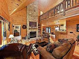Luxurious Mountain-View Lodge W/ Gym & Game Room Home photos Exterior