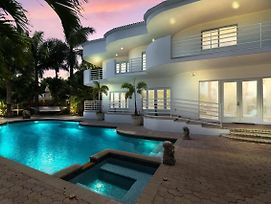 New Listing! Opulent Paradise W/ Pool & 100' Dock Home photos Exterior