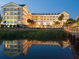 Courtyard Charleston Waterfront By Marriott photos Exterior