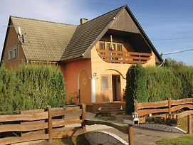 Four Bedroom Holiday Home In Balatonkeresztur photos Exterior