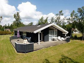 Four-Bedroom Holiday Home In Vaeggerlose 1 photos Exterior