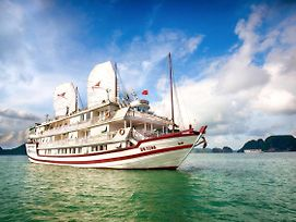 Signature Royal Halong Cruise photos Exterior