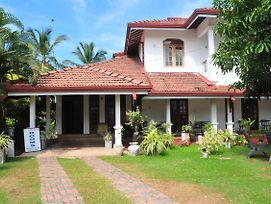 Leisure Villa Negombo photos Exterior
