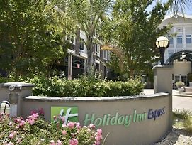Holiday Inn Express Windsor Sonoma Wine Country photos Exterior