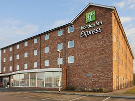 Holiday Inn Express Nuneaton photos Exterior