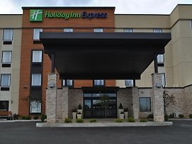 Holiday Inn Express Salem photos Exterior