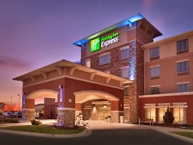 Holiday Inn Express And Suites Overland Park photos Exterior