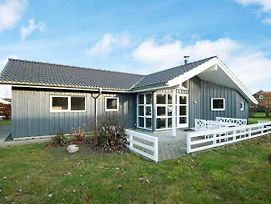 Five-Bedroom Holiday Home In Glesborg 4 photos Exterior