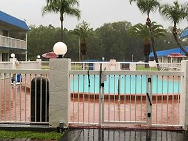 Motel 6 Daytona Beach photos Exterior