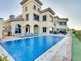 Six Bdr Villa Palm Tropic Palm Jumeirah photos Exterior