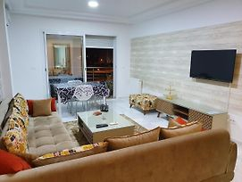 Luxury And Splendid 2 Bedrooms Apartment In Jardin De Carthage Tunis photos Exterior
