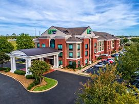 Holiday Inn Express Hotel & Suites Memphis Southwind photos Exterior