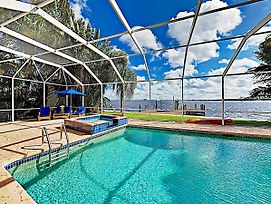 Riverfront Paradise W/ Caged Pool, Hot Tub & Dock Home photos Exterior