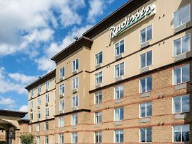 Radisson Hotel & Suites Fort Mcmurray photos Exterior