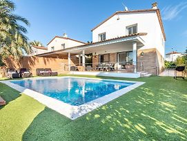 Stylish Holiday Home With Private Pool In Empuriabrava Spain photos Exterior