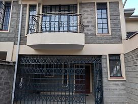 Furnished 4-Bedroom Townhouse Near Nairobi Airport photos Exterior