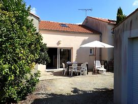 House With 3 Bedrooms In Chatelaillon Plage With Enclosed Garden 800 M From The Beach photos Exterior