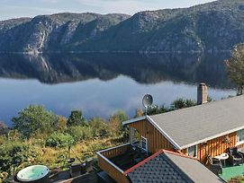 Four Bedroom Holiday Home In Farsund photos Exterior