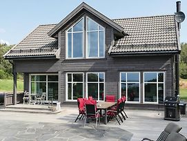 Five Bedroom Holiday Home In Farsund photos Exterior