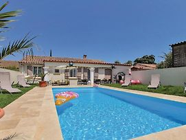 Stunning Home In Rochefort Du Gard W/ Jacuzzi, Wifi And Outdoor Swimming Pool photos Exterior