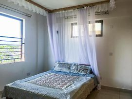 Ensuite Queen Bed In Lux Apartments, 5Mins From Kisumu Cbd photos Exterior