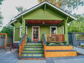 Hot & Chic Mississippi District -Fresh, Bright & Modern Bungalow photos Exterior
