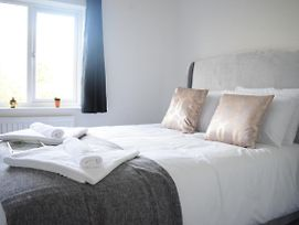 Double Ensuite Room - Executive Serviced Accommodation photos Exterior